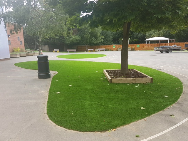 Artificial lawn for Heston Primary School